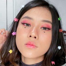 Fakta Lipstik Viral TikTok Yang Bergetar