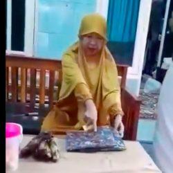 viral ibu maki kurir Terbaru